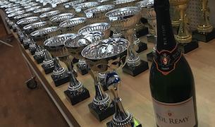Ett digert prisbord när årets nationella serier i VOC Mekonomen Rally hade prisutdelning.